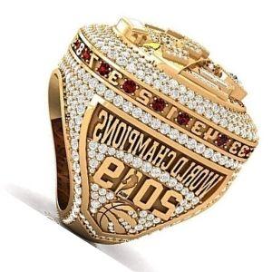 anillo de campeonato de oro con brillantes