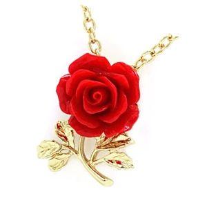 colgante de rosa roja y oro amarillo