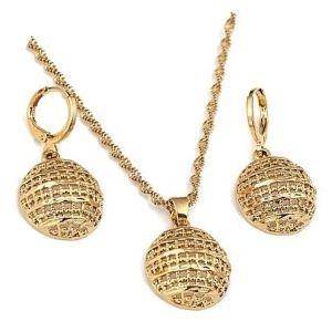 conjunto o juego de collar y pendientes de oro