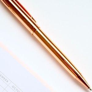 bolígrafo de oro recargable