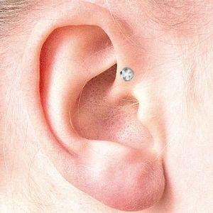 piercing anti-helix oreja