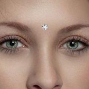 piercing tercer ojo de diamante
