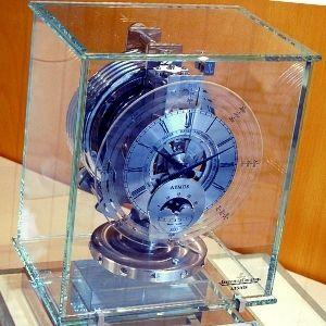 reloj atmos antiguo