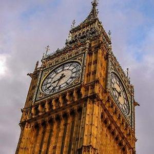 reloj de torre o campanario