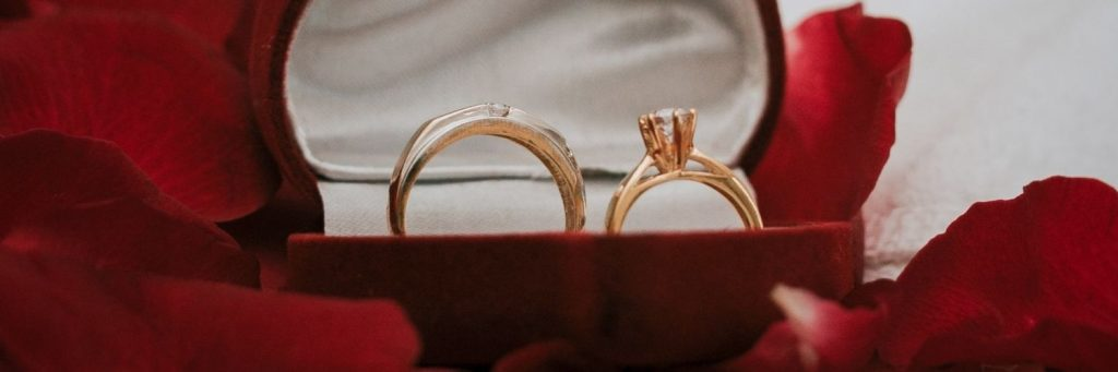 por que adquirir un anillo de oro de compromiso