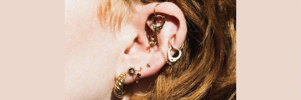 por que adquirir un piercing de oro para cartilago