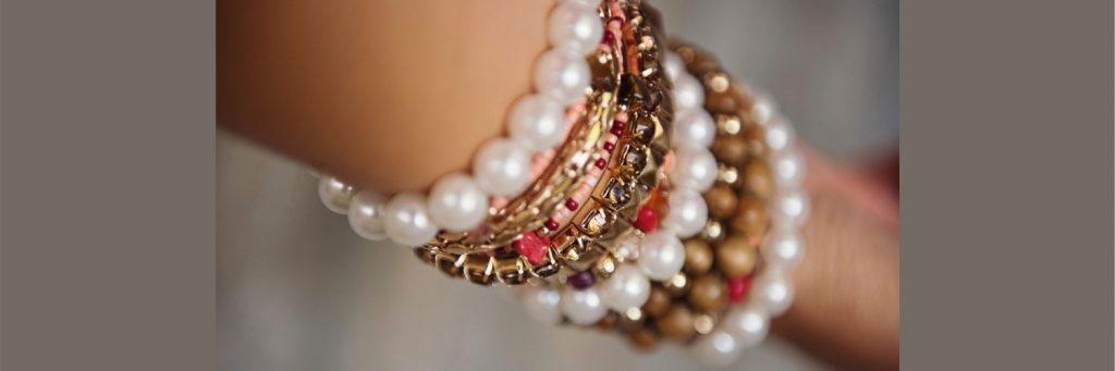 guia para comprar pulseras de oro con perlas