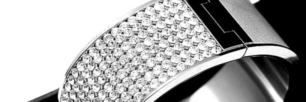 ventajas y desventajas de los brazaletes de oro blanco